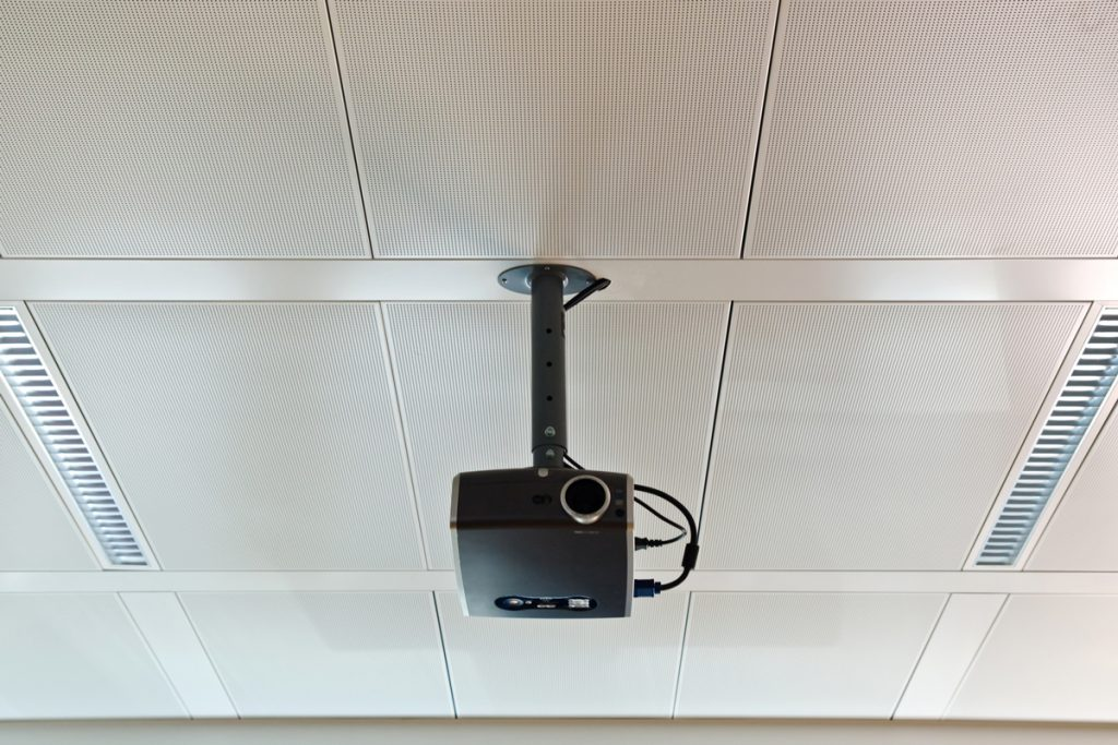 Plafonski nosač za projektor