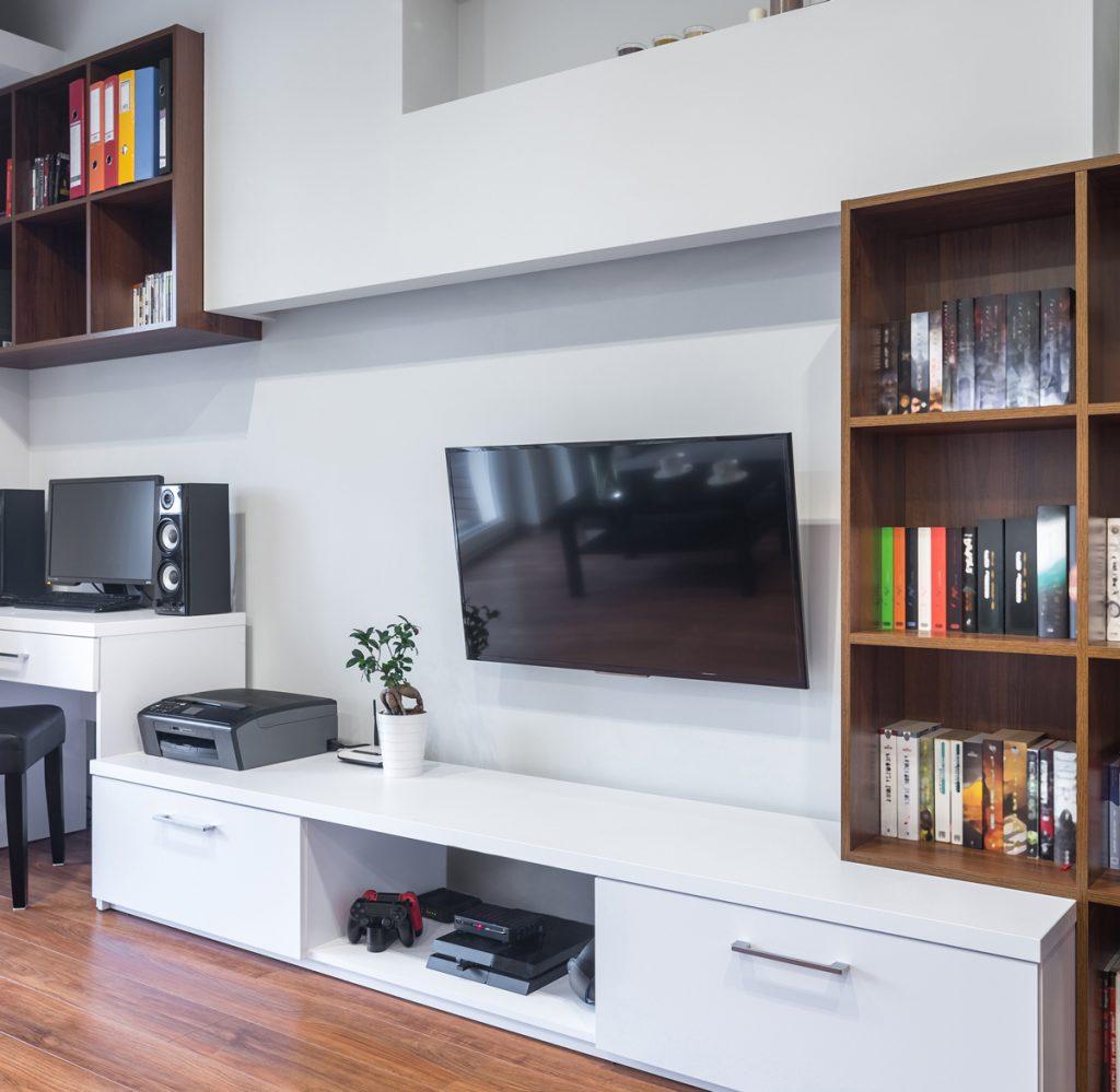 Veliki tv u malom stanu